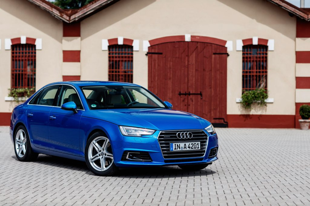 2017-Audi-A4-front-side-view-with-red-door