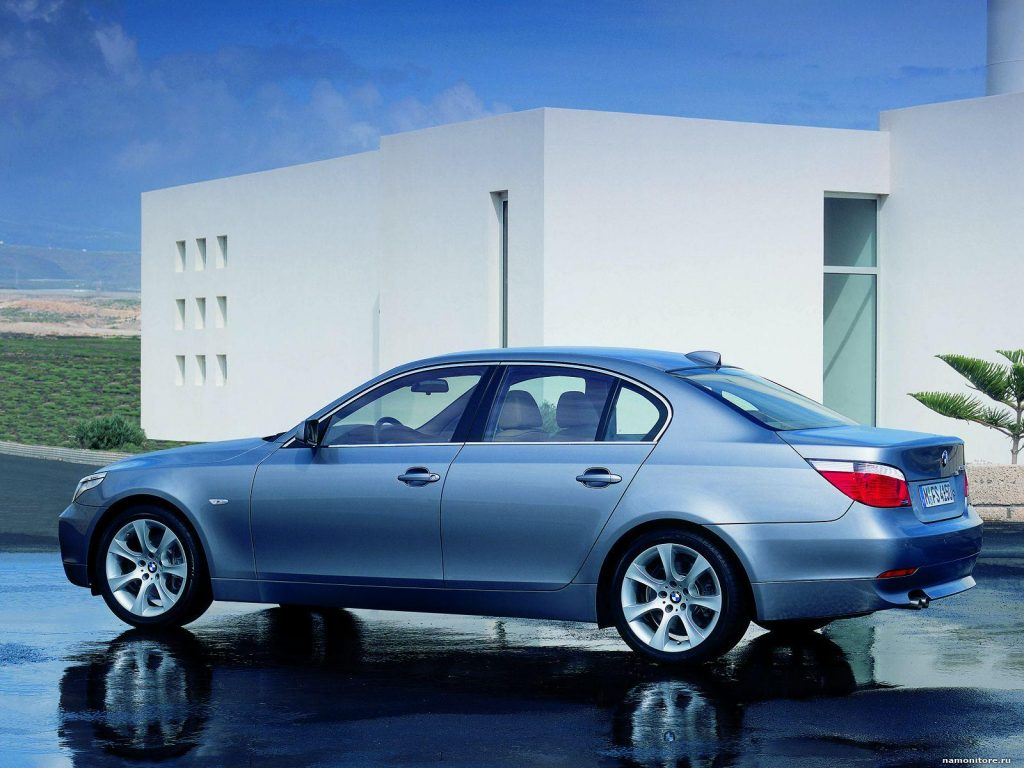 BMW 5 Series E60 (2004) download photo